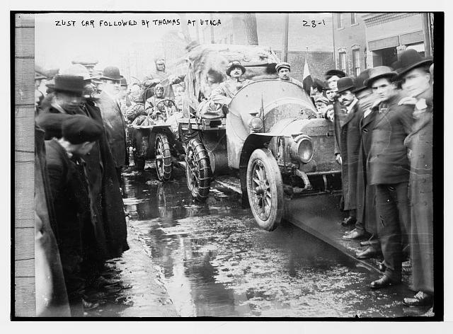 http://luirig.altervista.org/cpm/albums/bain-23/11223-New-York--Paris-race--Zust-car-followed-by-Thomas-car-at-Utica--New-York-State.jpg