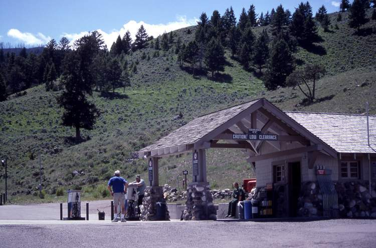 Yellowstone Park Service Station YPSS Gas At Mammot